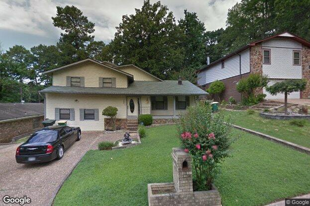 3308 lehigh dr little rock ar 72204 redfin for Sharks fish chicken little rock ar