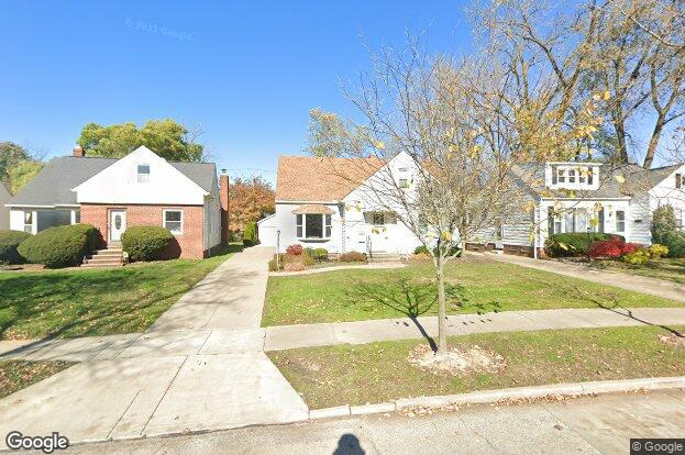 Homes For Sale On Hilltop Rd In Beachwood Oh