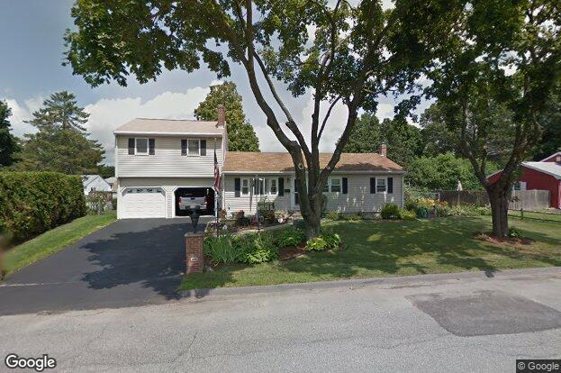 21 applewood dr marlborough ma 01752 redfin for Classic house of pizza marlborough ma