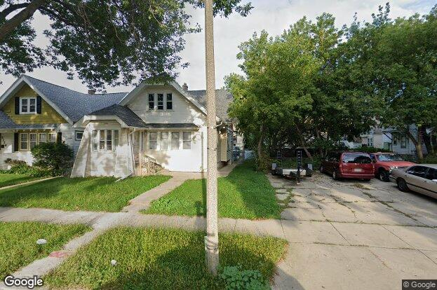 3718 n 19th st milwaukee wi 53206 redfin for J j fish chicken milwaukee wi