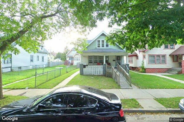 3725 n 16th st milwaukee wi 53206 redfin for J j fish chicken milwaukee wi
