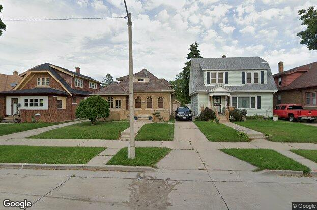 3918 n 16th st milwaukee wi 53206 redfin for J j fish chicken milwaukee wi