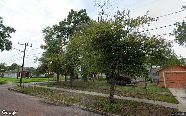 210 24TH ST S     SAINT PETERSBURG FL 33712