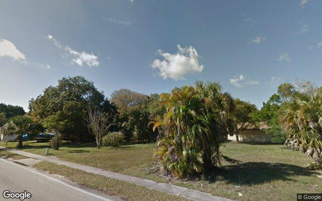 2102 PALM AVE      FORT MYERS  FL 33916