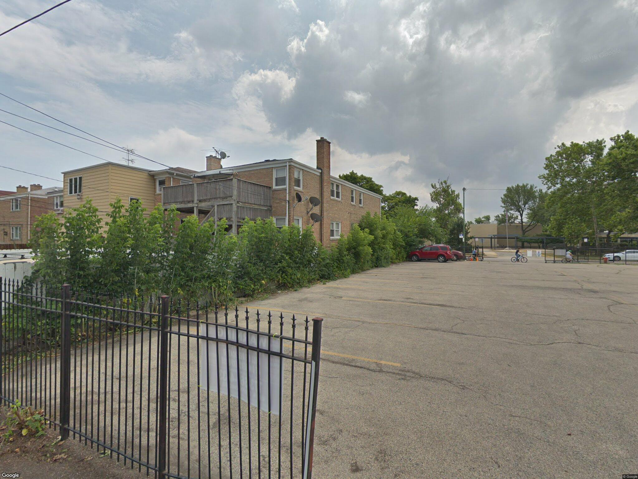 3020 W Touhy Ave