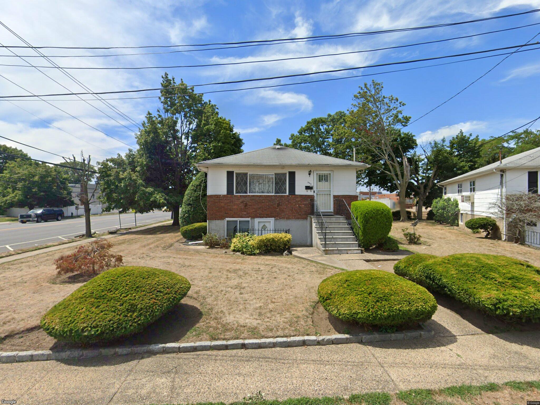 555 Bayview Ave Cedarhurst NY 11516