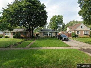 106 S Elmwood Ave, Palatine, IL 60074