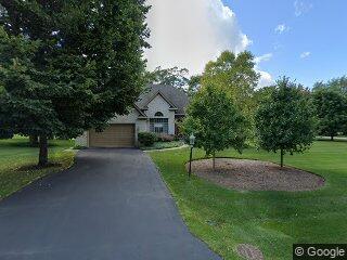 11 Lynn Dr, Hawthorn Woods, IL 60047