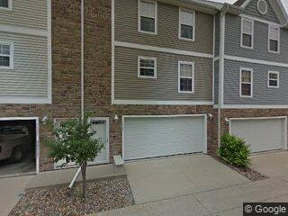 1117 Redstone Ln, Pleasant Hill, IA 50327