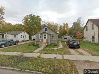 1128 E 9th Ave, Worthington, MN 56187