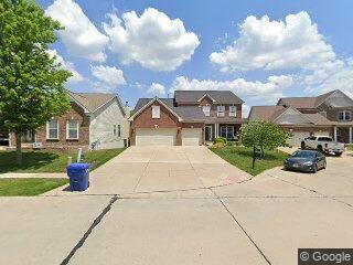 1153 Hawkins Bend Pl, Fenton, MO 63026