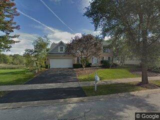 1241 N Lakeview Dr, Palatine, IL 60067