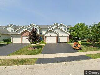 1474 Golfview Dr, Glendale Heights, IL 60139