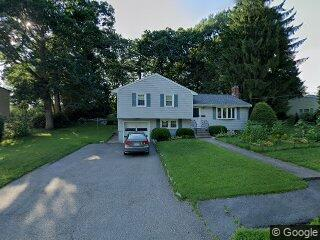 15 Manchester Rd, Norwood, MA 02062