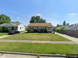15214 Steinway Blvd, Maple Heights, OH 44137
