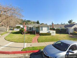2 Danbury St, Oakland, CA 94605