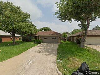 2506 McKensie Ln, Grand Prairie, TX 75052