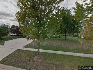 3608 Dorchester Pl, Mchenry, IL 60050