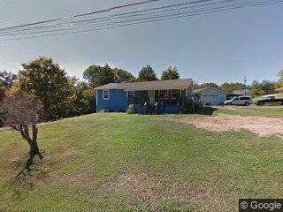 3915 Petty Rd, Kodak, TN 37764