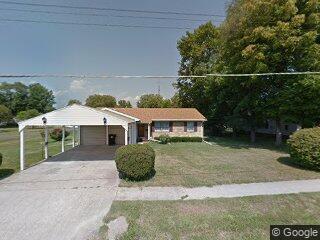 403 E Adams St, Rushville, IL 62681
