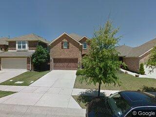 421 Perkins Dr, Lantana, TX 76226