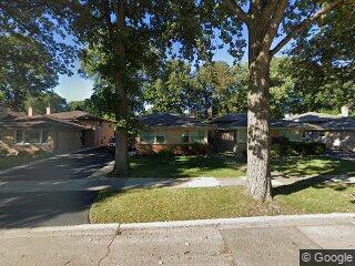 4922 Farwell Ave, Skokie, IL 60077