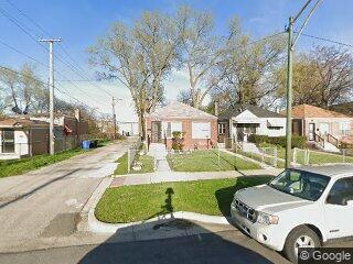 6631 S Hartwell Ave, Chicago, IL 60637