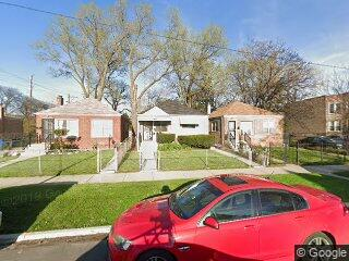 6633 S Hartwell Ave, Chicago, IL 60637