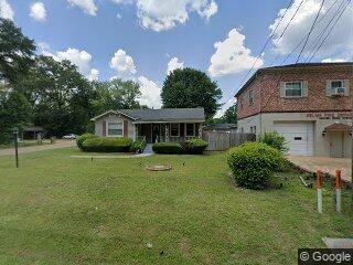 802 Cahaba Rd, Valley Grande, AL 36701