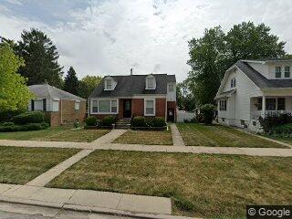 9411 Henrietta Ave, Brookfield, IL 60513