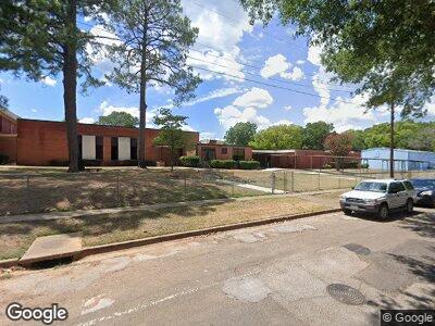 R E Lee Elementary School