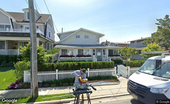 Street view of 651 Lake Ave