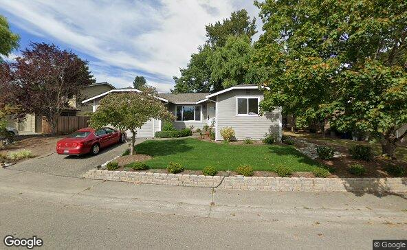 Street view of 915 235th St Sw