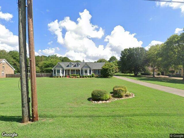 113 Colonial Dr, Meridianville, AL 35759