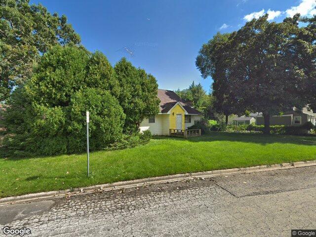 117 N Pioneer Rd, Waukegan, IL 60085