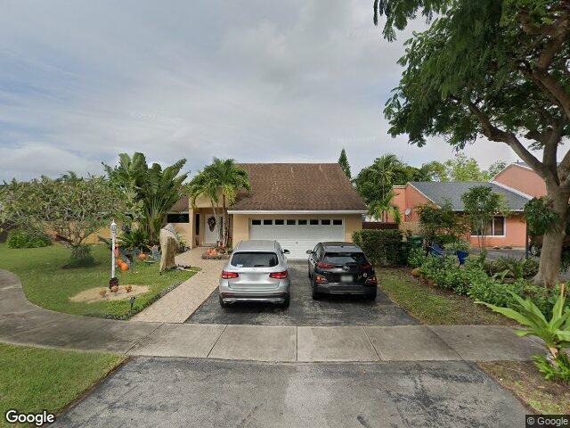 12241 SW 93rd St, Miami, FL 33186