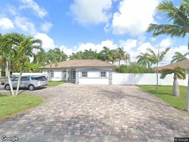 13281 SW 200th Ter, Miami, FL 33177