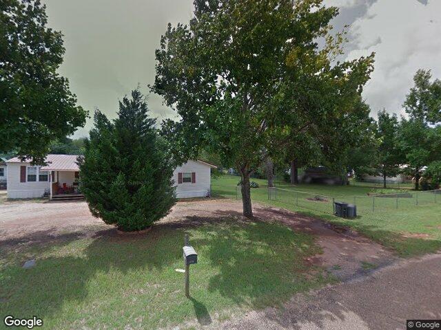147 I St, Daleville, AL 36322