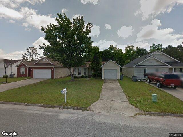 211 Riverview Dr, Daleville, AL 36322