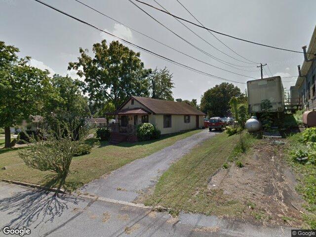 303 Meridith St, Johnson City, TN 37604