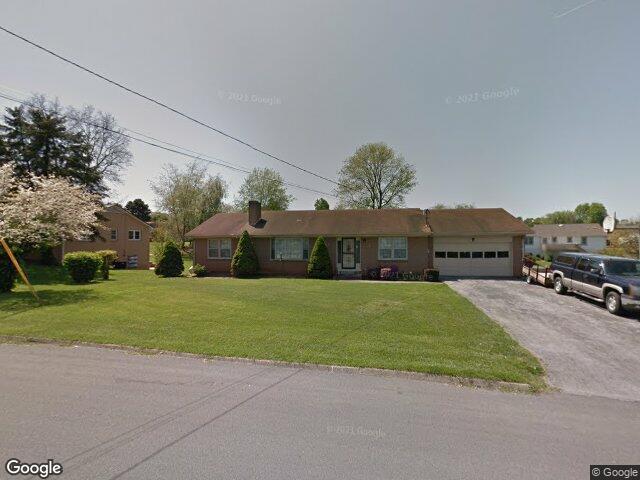 4103 Navaho Dr, Johnson City, TN 37604