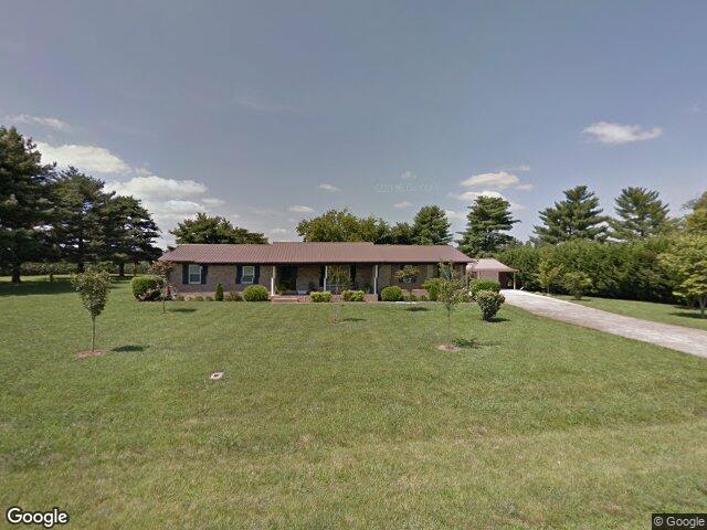 539 Davis St, Cowan, TN 37318