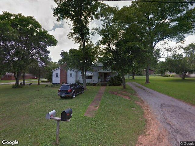 56 Patton St, Falkville, AL 35622