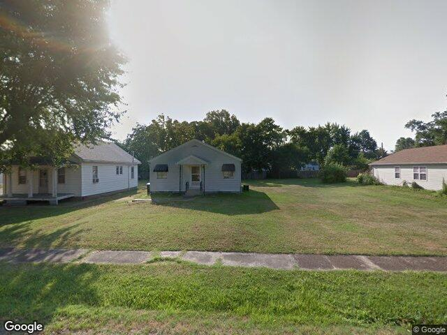 620 N 3rd St, Dupo, IL 62239