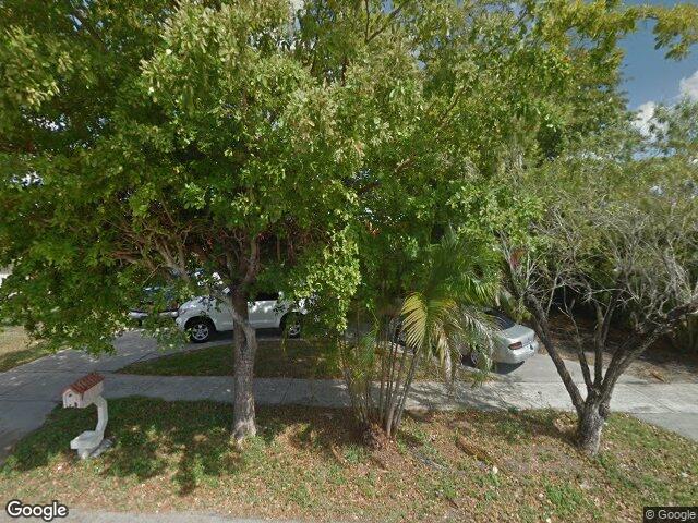 6425 NW 199th Ter, Hialeah, FL 33015