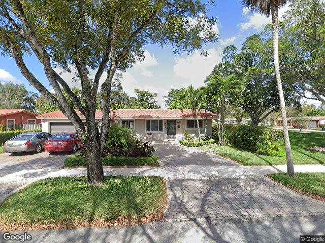 6671 Lake Blue Dr, Miami Lakes, FL 33014