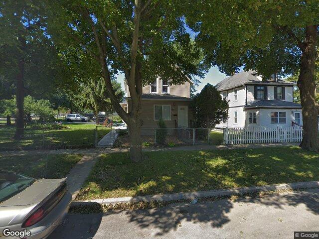 676 Lenox Ave, Waukegan, IL 60085