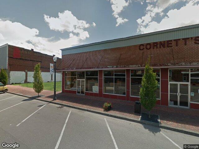 693 Jenkins Rd, Mountain City, TN 37683