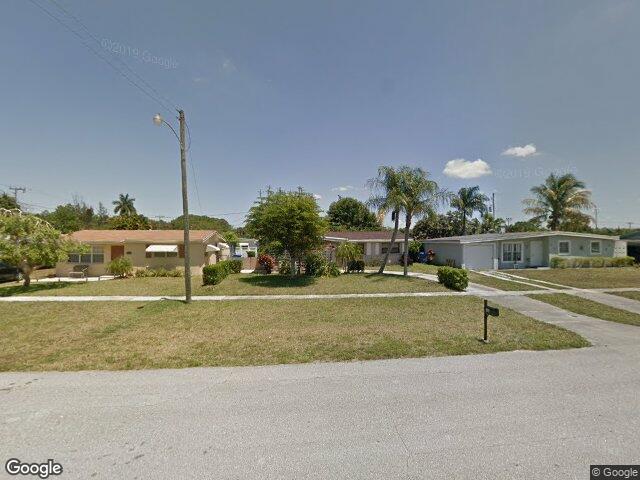 764 Gardenia Dr, Royal Palm Beach, FL 33411