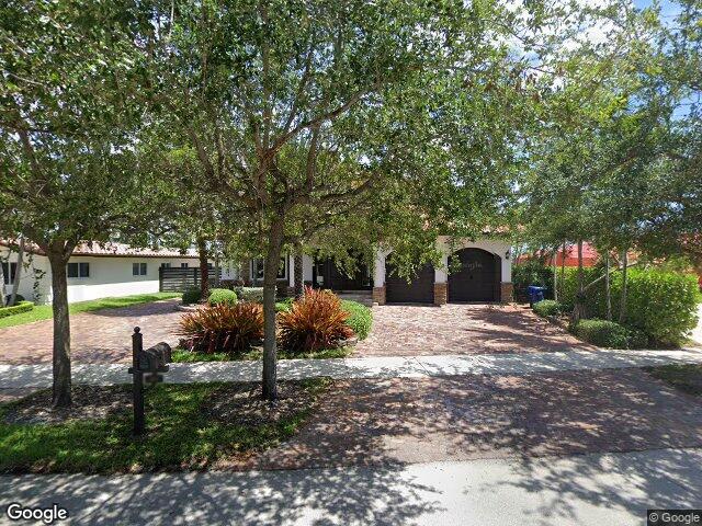 7901 NW 181st St, Hialeah, FL 33015